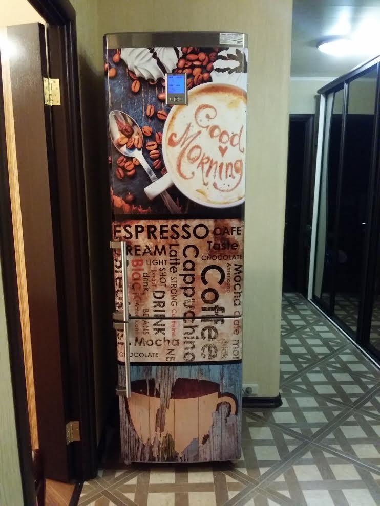клиентское фото наклейки на холодильник капучино
