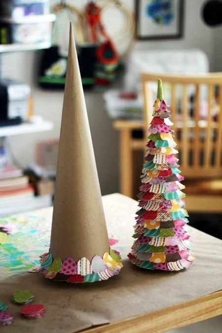 новогодний декор, маленькая елка фото, елка своими руками, елка из бумаги фото