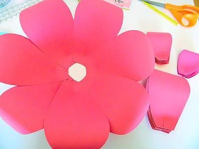 цветок из бумаги фото