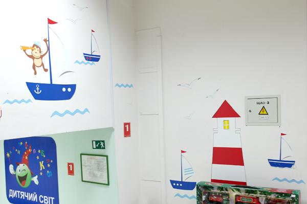 наклейки в интерьере, фото наклеек, фото наклеек на стенах, реальные фото наклеек, кораблики, корабли, маяк, наклейки для комнаты мальчика