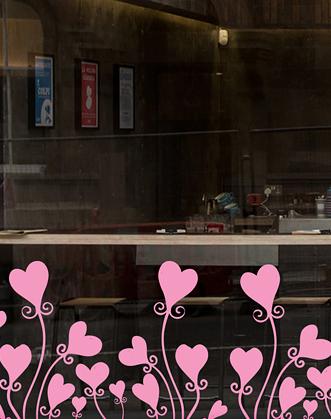 оформление витрин к 14 февраля фото, украшение витрин к 14 февраля фото, декор витрины ко дню влюбленных фото, декор витрины 2020 на 14 февраля фото
