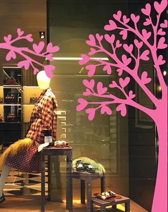 оформление витрины магазина к 14 февраля фото, оформление магазина ко дню влюбленных фото декор витрины к 14 февраля фото, декор витрины ко дню влюбленных фото